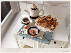 Hot Chocolate And Pastries  Dollhouse by 2smartminiatures on Etsy, €45.00