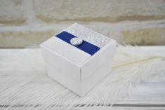Csillogó tetejű doboz - Tökéletes esküvői meghívók Decorative Boxes, Wedding Rings, Engagement Rings, Jewelry, Enagement Rings, Jewlery, Jewerly, Schmuck, Jewels