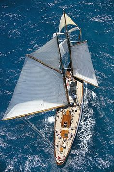 Classic Yacht. Photo © Franco Pace.