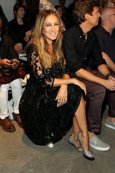 Pin for Later: Die Stars machen die New York Fashion Week noch modischer Sarah Jessica Parker bei der Schau von Tracy Reese