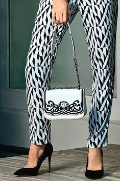 3453994c6be2 15 Inspiring Handbags images in 2019