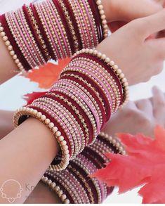 Bridal Jewellery Inspiration, Indian Bridal Jewelry Sets, Bridal Bangles, Antique Jewellery Designs, Fancy Jewellery, Stylish Jewelry, Thread Bangles Design, Bridal Chura, Indian Bangles