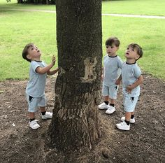 Cute Twins, Cute Babies, Triplet Babies, Twin Boys, Dark Wallpaper, Triplets, Baby Outfits, Tom Holland, Baby Fever