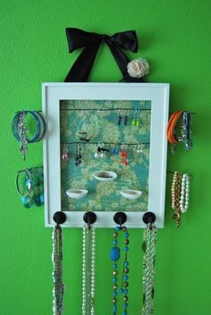 DIY jewelry holder from a picture frame LaurenConrad.com