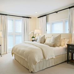 Maybe I should forget the blue walls and go for this very peaceful cream and white scheme. I could add the touches of gray blue in pillows and accessories. This is so calming, and that's exactly what I need.