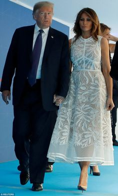 Pumps: The first lady, paired her white Elie Saab dress with cream-colored Louboutins Trump Melania, First Lady Melania Trump, Fashion 2020, Fashion Models, Milania Trump Style, Elie Saab Dresses, Donald And Melania, Patchwork Dress, Classy Women