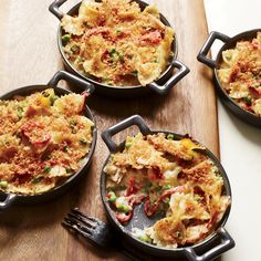 A yummy step up from tuna noodle casserole. Creamy Tuna Noodle Cazuela Recipe on Food & Wine Noodle Casserole, Casserole Dishes, Casserole Recipes, Tuna Casserole, Baked Pasta Dishes, Baked Pasta Recipes, Wine Recipes, Cooking Recipes, Gastronomia