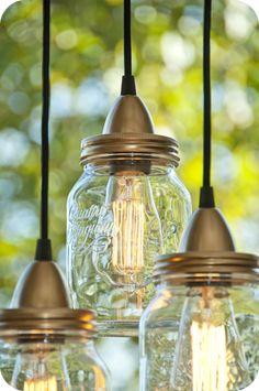 Aujourd'hui lumière sur une idée de recyclage pour nos bocaux en verre , le matériel: un bocal en verre,système électrique pour ...