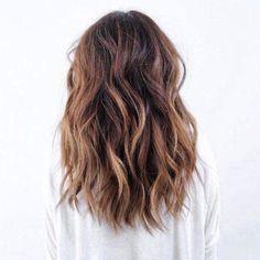 Shoulder length wavy hair