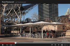 Nuestra amplia terraza tiene capacidad para 80 personas. Es ideal para aquellas personas que deseen hacer una pausa mientras disfrutan de las vistas.    Un lugar con encanto para disfrutar de una comida en buena compañía de amigos, un aperitivo después del trabajo o disfruta con tu pareja de una cena romántica a la luz de la luna.    Lugar: c/ Ramón trias fargas, 2    Horario: Mar - Jue: 9:00 - 17:00, Vie - Sáb: 9:00 - 3:00, Dom: 9:00 - 21:00