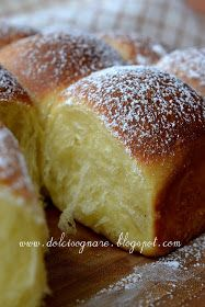 part brioche buchty Rice Desserts, No Cook Desserts, Dessert Recipes, Bread Recipes, Cooking Recipes, Italian Bakery, Best Banana Bread, Croissants, Recipe Today