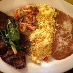 Dinner With The Fam Before Mealprep Time #sunday #steak #shrimp #plate #mexican #food #foodie #foodporn #iifym #macros #fit #fitfam #fitness #protein #gains #flexibledieting #nomnomnom #nofilter #weekend #funday #sundayfunday #mealprepsunday #dinner #dinnertime #pregame by omn0mnoms