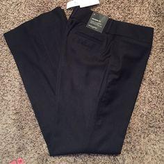 Banana Republic dress slacks Jackson Fit 2 NWT Banana Republic dress slacks Jackson Fit 2 NWT. Size 2. Navy pinstripe. Super cute. Banana Republic Pants Trousers