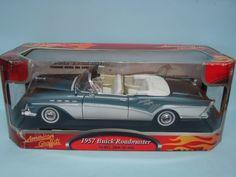 Motor Max American Graffiti 1957 Buick Roadmaster Convertible Premium Metal Die Cast 1/18 Car