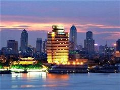 Holiday Inn Wuhan Riverside Hotel - http://chinamegatravel.com/holiday-inn-wuhan-riverside-hotel/