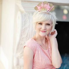 Bookmark this DIY to make your own paper tiara for NYE.