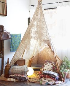 tipi tents for the home - Roomed Reading Tent, Kids Reading, Zelt Camping, Home Design, Interior Design, Interior Modern, Indoor Camping, Camping Indoors, Indoor Forts