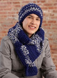 Touchdown Hat and Scarf Set: free pattern