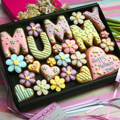 Large 'Mummy' Box Hand decorated letter & flower cookies presented in a premium gift box. Nice if you need a gift to send mother's day flowers Mother's Day Cookies, Fancy Cookies, Iced Cookies, Biscuit Cookies, Cute Cookies, Easter Cookies, Birthday Cookies, Cupcake Cookies, Sugar Cookies