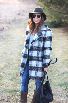 A plaid jacket, great pair of boots and denim? That's a cute outfit ready to happen, don't you think? #winterfashion