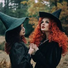 🌹just a few days until Halloween🌹 Advertisement/Werbung. Models left to right: and Hats: Orange Wig: Photographer: Autumn Witch, Blue Velvet Dress, Fairytale Fashion, Human Poses, Iphone Wallpaper Tumblr Aesthetic, Ginger Hair, Cosplay Girls, Lace Front Wigs, Redheads