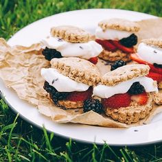 This beautiful and easy to assemble recipe is perfect for a picnic. Just bake the shortcakes ahead of time and pack them up with some fresh berries and a tub of CocoWhip. You& ready to go! Paleo Dessert, Gluten Free Desserts, Dairy Free Recipes, Vegan Desserts, Vegetarian Recipes, Dessert Recipes, Just Bake, Vegan Treats, Easter Recipes