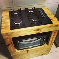 Wooden Pallet Projects Pallet kitchen - Home interiors are designed with great care nowadays. Rapid changes in the interior design ideas required some contemporary adjustments in the home interior design. Wooden Pallet Projects, Wooden Pallet Furniture, Wooden Pallets, Diy Furniture, Furniture Cleaning, Pallet Ideas, Furniture Stores, Furniture Projects, Home Design Diy