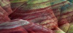 Εντυπωσιακές φωτογραφίες από τους Ζωγραφισμένους Λόφους: Μία παλέτα της φύσης που κόβει την ανάσα [εικόνες]