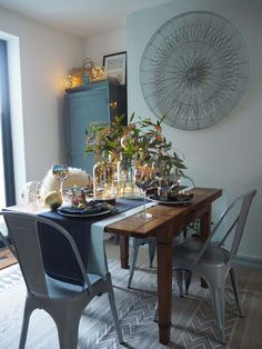4 ways to style your Christmas dining table with lights - WeLoveHome - Home Furniture, Interior, Christmas Dining Table, Dining, Dining Table, Table, Home Decor, Table Decorations, Interior Stylist
