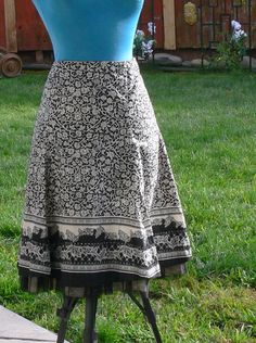black and white cotton skirt size 8
