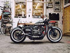 Yamaha XV950 Bobber Cafe by Kingston Custom #motorcycles #bobber #motos | caferacerpasion.com