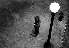 Strangers on a Train  (Alfred Hitchcock, 1951). Cinematography by Robert Burks.  #blackandwhitephotography