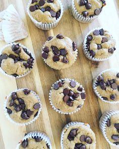 Muffins de avena y plátano con chispas de chocolate - Delirios de Cocina Gluten Free Sweets, Gluten Free Cakes, Sweet Recipes, Real Food Recipes, Dessert Recipes, Healthy Sweet Snacks, Healthy Desserts, Pan Dulce, Chocolate Muffins