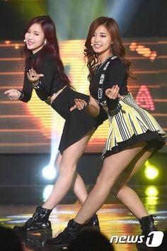 TWICE - Mina & Tzuyu #묘이미나 #미나 #名井南 #쪼우쯔위 #쯔위 #周子瑜 #TzuMi #MiTzu