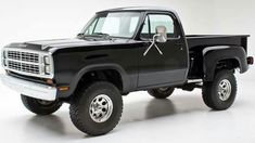 '79 Dodge 4X4 Step Side #classictrucks Old Dodge Trucks, Dodge Pickup, Ram Trucks, Lowered Trucks, Pickup Trucks, Lifted Trucks, Black Truck, Dodge Power Wagon, Future Trucks