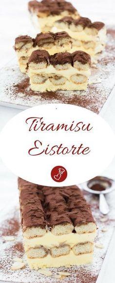 Eis Rezepte, Dessert Rezepte: Rezept für eine Tiramisu-Eistorte von herzelieb. Ganz einfach und schnell vorbereitet und leicht angetaut einfach sensationell lecker! So schmeckt der Sommer! #eis #icecream #rezept #dessert #foodblog #herzelieb
