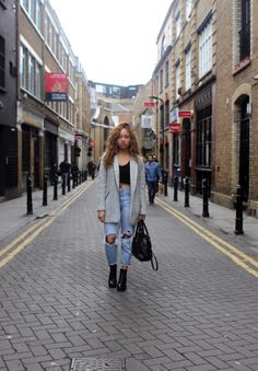 Beautycrush - Boyfriend jeans, crop, coat - winter outfit