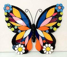 Mosaic Garden Art, Mosaic Tile Art, Mosaic Artwork, Mosaic Glass, Glass Painting Patterns, Stained Glass Patterns, Mosaic Patterns, Butterfly Mosaic, Mosaic Flower Pots