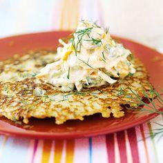 Raggmunk med vegetarisk skagenröra Scandinavian Food, Halloumi, Vegan Dinners, Junk Food, Quinoa, Risotto, Bacon, Veggies, Vegetarian