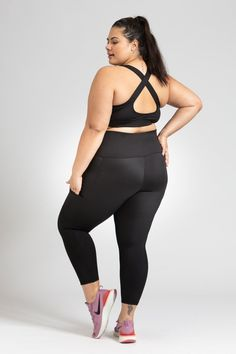 Flow Crop - Black – Active Truth™ Workout Session, Summer Wardrobe, Perfect Fit, Tights, Sporty, Pockets, Crop Tops, Stylish, Flow
