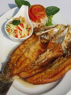 Thai Food ( ปลากระพงทอดน้ำปลา)