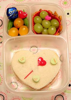 Easy Valentine's Day #lunchbox idea