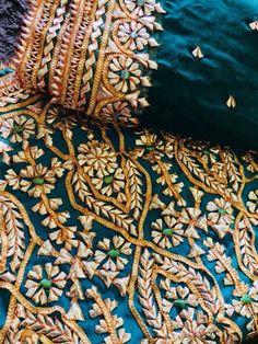 Velvet Pakistani Dress, Pakistani Bridal Lehenga, Pakistani Wedding Outfits, Punjabi Dress, Pakistani Dress Design, Indian Lehenga, Embroidery Suits Punjabi, Hand Embroidery Dress, Embroidery Suits Design