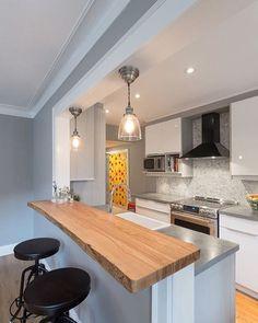 Cozinha compacta e funcional....Inspiração✔ #arquiteturadeinteriores #cozinha  #arquitetura #archdecor #archdesign #archlovers #interiores #instahome #instadecor #instadesign #design #detalhes #produção #decoreseuestilo #decor #decorando #decordesign #luxury #decorlovers #decoração #homestyle #homedecor #homedesign #decorhome #home #kitchen #cuisine #referencia #decoracaodeinteriores #decorazione