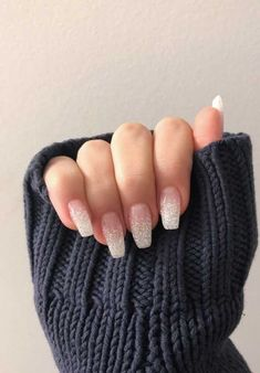 Glittery ombre nails nageldesign Over 50 Bright Summer Nail Art Designs That Will Be So Trendy All Season Coffin Nails Ombre, White Acrylic Nails, White Nail Art, Best Acrylic Nails, Acrylic Nail Designs, Nail Art Designs, Gel Nails, Gradient Nails, Holographic Nails