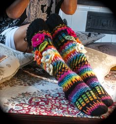 Irish lace, crochet, crochet patterns, clothing and decorations for the house, crocheted. Fair Isle Knitting, Knitting Socks, Hand Knitting, Irish Crochet, Knit Crochet, Thigh High Leggings, Knit Stockings, Funky Socks, Irish Lace