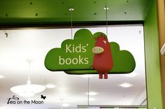 Librería infantil en Londres - sección kids' books waterstone's - www.teaonthemoon.com