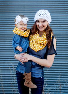 Cute and fashionable way to match with your daughter... Infinity scarf!