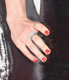 Pin for Later: Mit diesen Maniküren verpassen die Stars ihrem Look den letzten Schliff Julianne Hough, People's Choice Awards