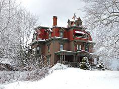 Victorian Mansion by Nikki Graham www.steampunktendencies.com